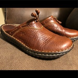 Born clog style shoes